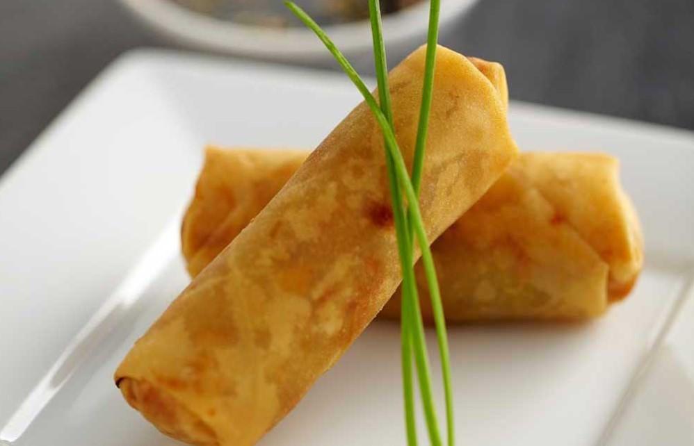 Обжаренные роллы с рисовой бумагой