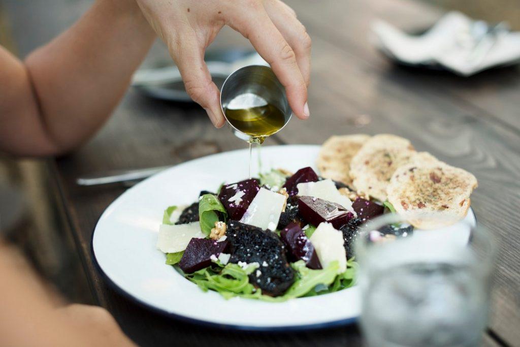 Салат с пармезаном и свеклой