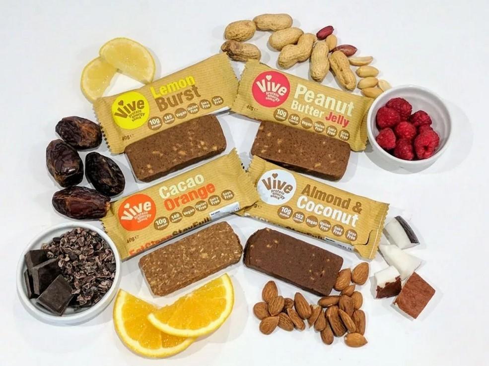 В протеиновые батончики можно добавить орех, ягоды, фрукты, ягоды или шоколад
