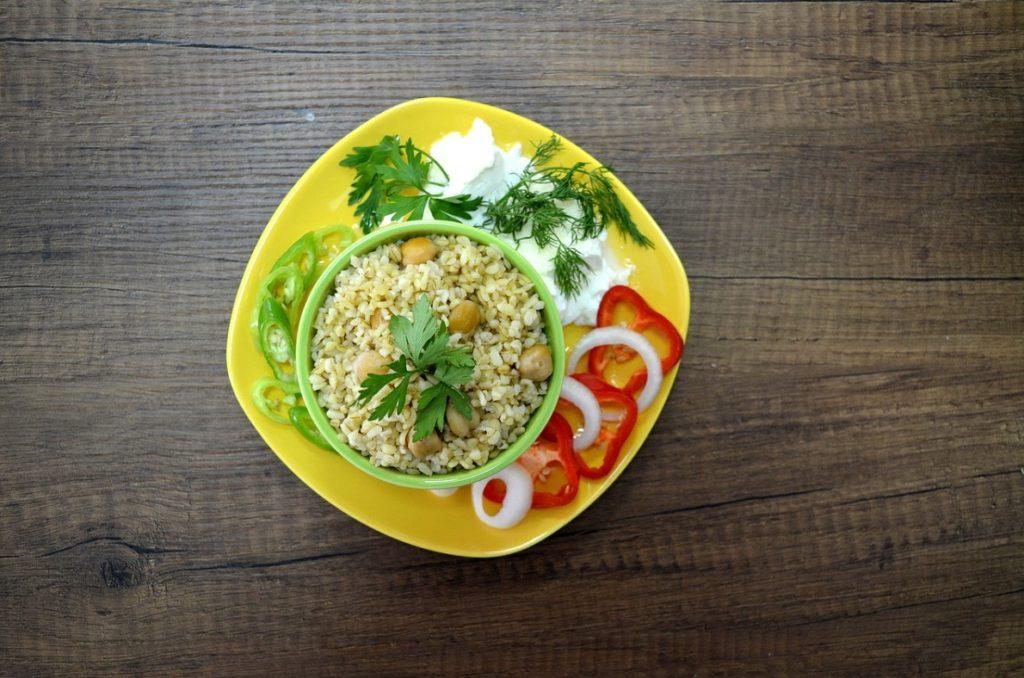 Вегетарианский плов из булгура
