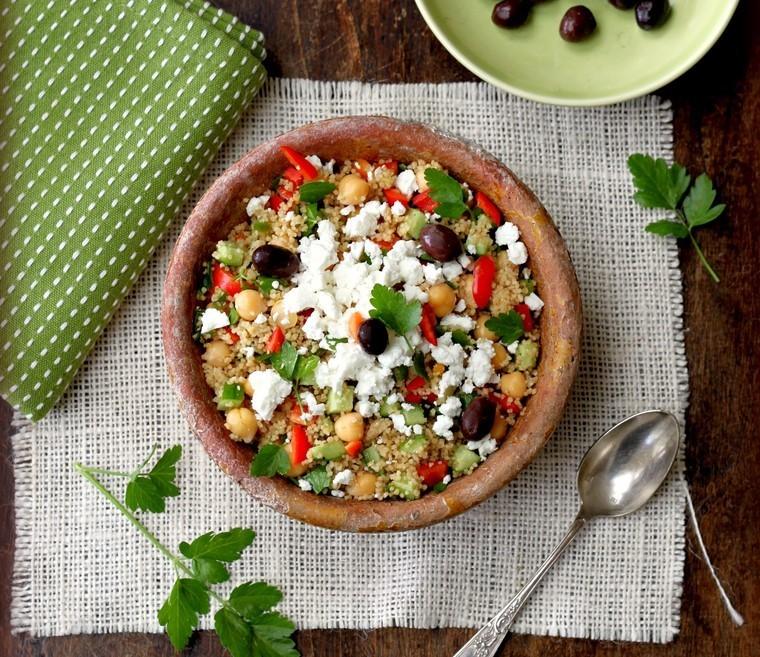 Греческий салат с кускусом