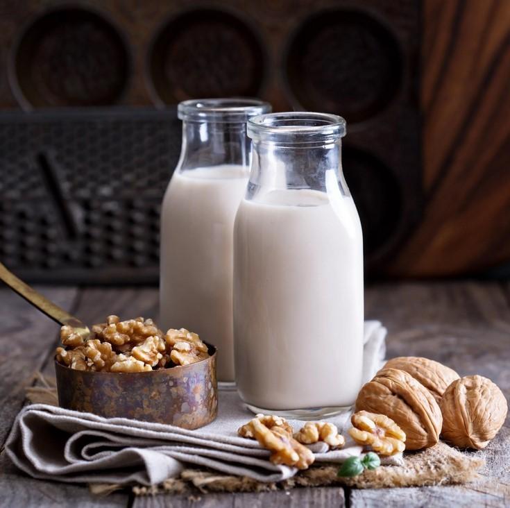 Молочко из грецкого ореха