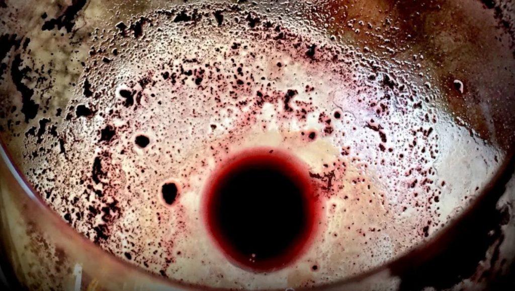 Осадок в винной бочке
