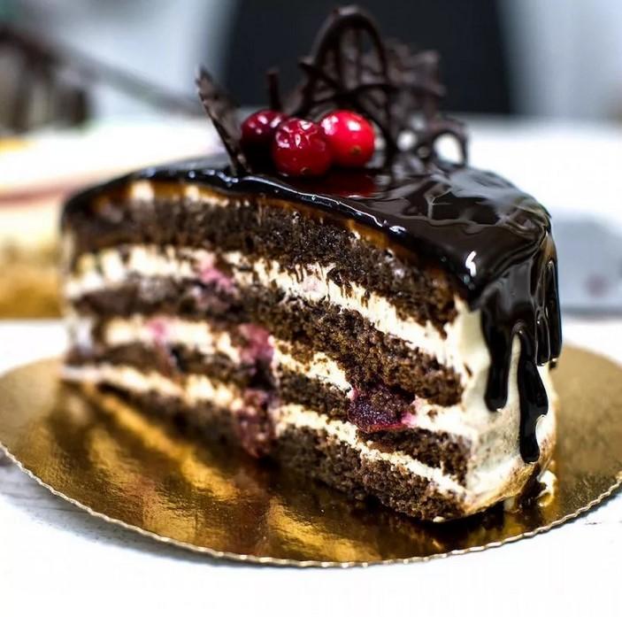 Торт сметанный из черемуховой муки