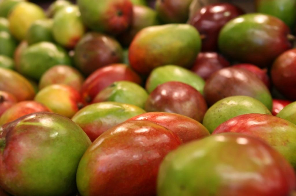 зелёные манго